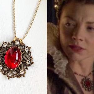 The Tudors Elizabethan Anne Boleyn White Gold Vermeil Topaz Baroque Tudor Rose Crucifix Pendant Necklace Truly Venusian