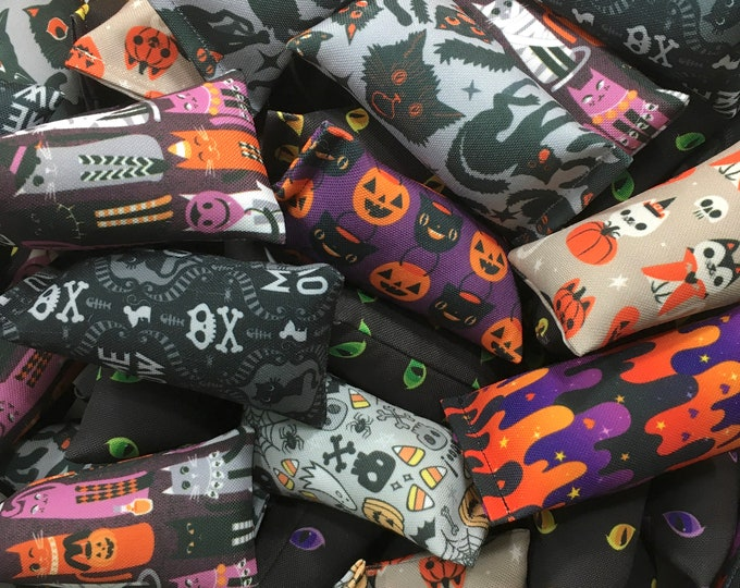 Featured listing image: Halloween Mini Eco-Kicker Cat Toys - Pack of 3