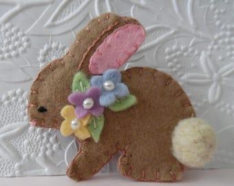 Filz Brosche Bunny Frühling Ostern Perlen Blumen Gefilzte wolle