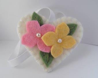 Felt Flower Fob Scissor Charm Pins Beaded Garden Wool Felted Pinkeep Needle