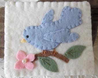 Felt Needle Book Bird Pinkeep Needlebook Pins Primitive Quilter Sewing