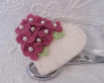 Felt Flower Fob Scissor Charm Beaded Garden Wool Felted Pinkeep