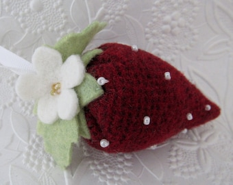 Wool Strawberry Pincushion Primitive Beaded Felt FOB Sewing Felted Wool Sewing