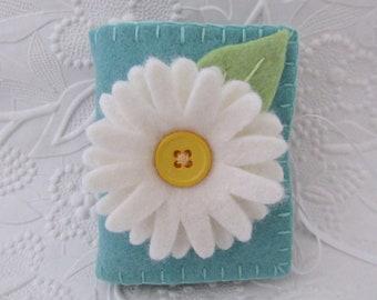 Felt Flower Needle Book Wool Daisy Pinkeep Needle Case  Pins Quilter
