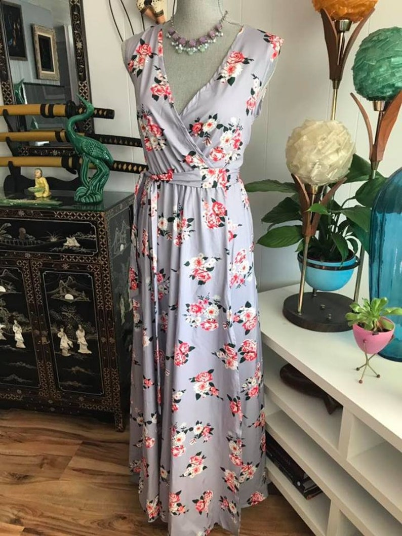 7a00ac24654c8 Beautiful Vintage 1940's Style Dove Gray Gown with Rose Print -- Size L --  Free Shipping
