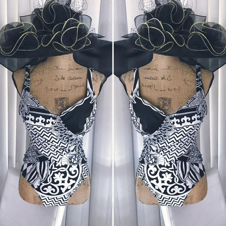 Fabulous Vintage Gottex Swimsuit in Black and White Mod OP Art Print - Size  M