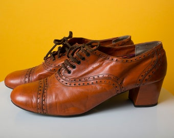 d8e32d923b26 Perfect Vintage 60s 70s Warm Brown Mod Oxfords Shoes with Psychedelic Liner