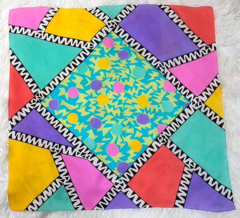 WOWZA Cool Vintage 70s 80s 90s Abstract Kinetic Memphis Design Multicolor  Silk Scarf