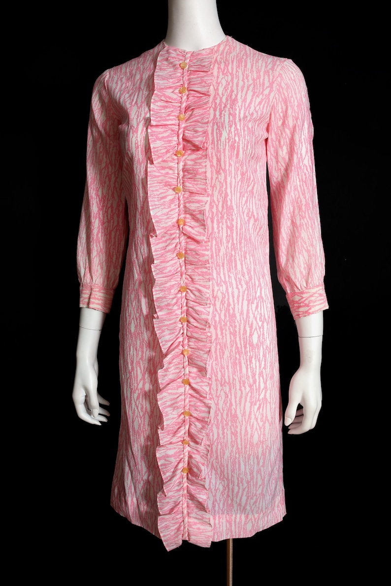 So Precious Vintage 60s 70s Pink /& White Brutalist Abstract Print Shift Dress with Huge Ruffle