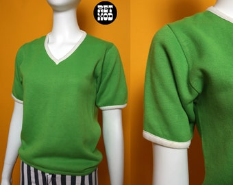 Fun & Comfy Vintage 70s 80s Apple Green Short Sleeve Sweatshirt with V-Neck