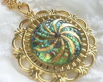 Amazing czech glass button necklace green gold