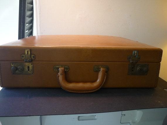 Vintage Leather Briefcase - Retro Luggage or Stora
