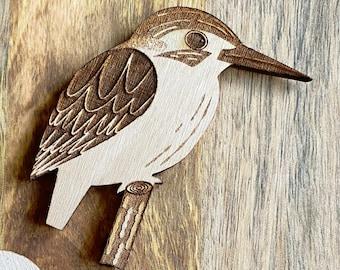 Kingfisher Magnet   Wood Bird Art   Laser Engraved Illustration