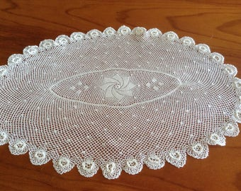 Vintage Oval White Filet Lace Doilie / Doily - Raised Flower Edging