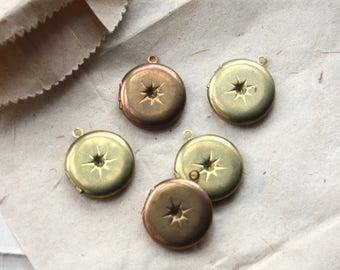Vintage Starburst Lockets // 40s 50s Antique Brass Victorian Style Lockets // New Old Stock Jewelry Supply