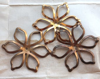 Vintage 1960s Brass Flowers // 50s 60s New Old Stock Jewelry Craft Supply // Large Brass Flower Stamping