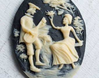 Large Vintage Black and Cream Rococo Pastoral Lovers Cameos // Cameo Cabochons // NOS Jewelry Craft Supply