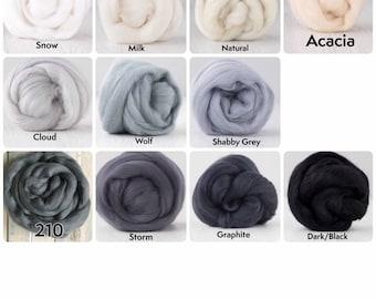 WHITE-BLACK - Extrafine Merino Wool Roving (Top), 18-19 Micron, 50 gr. (1.76 oz).  For Wet Felting, Nuno Felting, Needle Felting, Spinning.