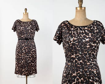 c400504211 Vintage 1950s Dress - 50s   60s Wiggle Dress in Brown Black   Cream Leafy  Print - Jersey Hourglass Sheath Dress - M   L
