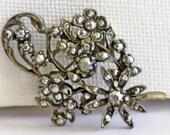 Vintage Signed Art Silver Tone Silver Rhinestone Floral Brooch Pin (B-1-3)