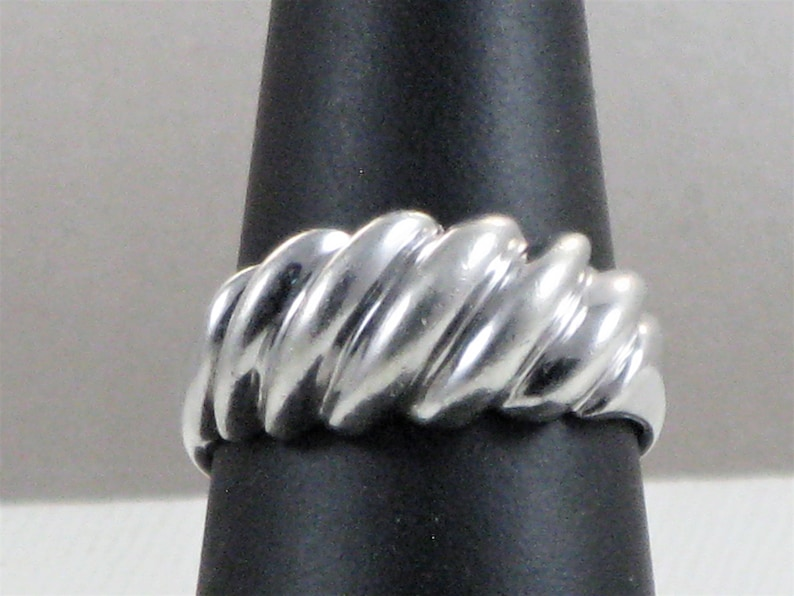 Size 8 34 Vintage Sterling Silver Ridged Ring R-1-1