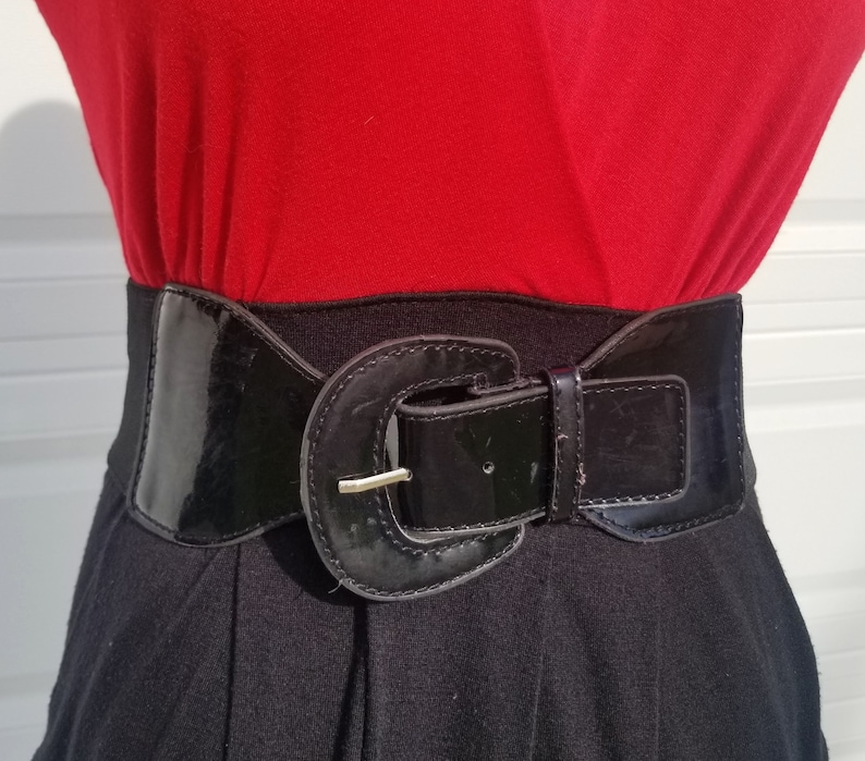 Red Black Love Delirious 80s Style Dress With Belt