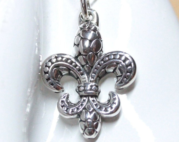 Fleur de Lis Celtic 925 Sterling Silver Pendant Necklace on 16 inch chain