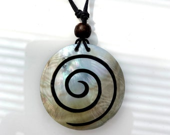 Iridescent Shell with Black Swirl Round Large Pendant Necklace, Adjustable Size 18 to 35 inches - Gift Box