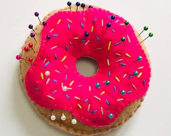 Choose your colour Doughnut Pin Cushion, Felt doughnut, Plush Donuts, Pin Storage, Needle storage, sewing accessory, needlework cushion