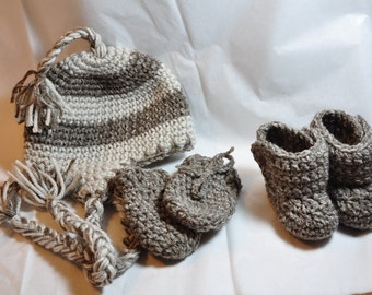 Earflap Hat, Mittens and Booties in size 0-6 months