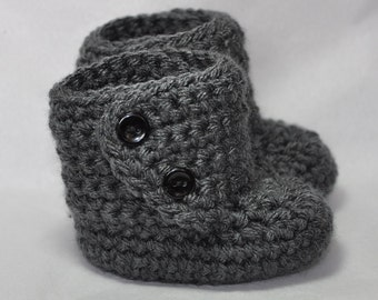 Baby Booties with Button top in size 6 to 12 Months in Gray
