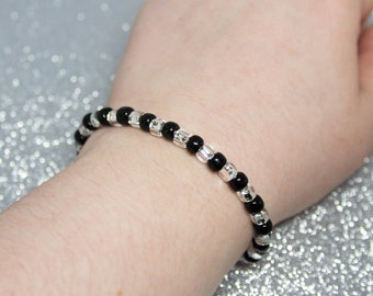 Black & White Beaded Wish Bracelet, Minimalist Jewelry, Gift for Him or Her, Adjustable Summer Bracelet, Birthday Gift, Friendship Bracelet