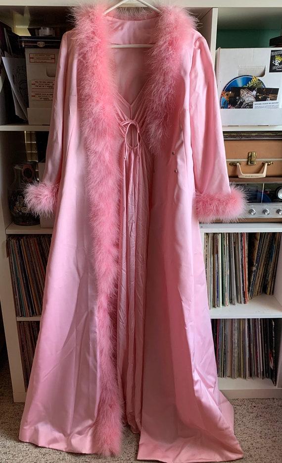 STUNNING Vintage Ladies Malouf Pink Feather Robe
