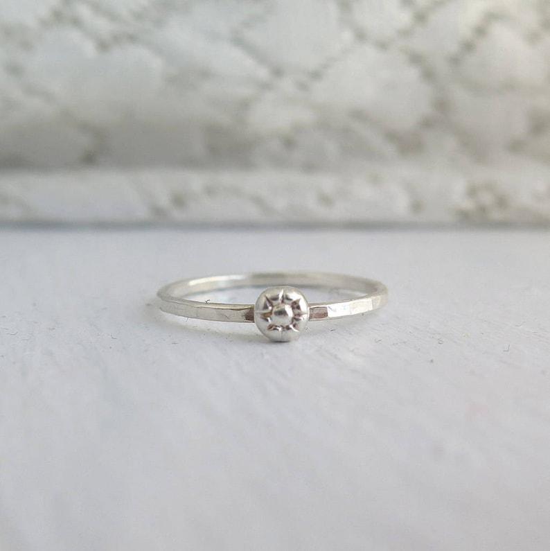 floral ring flower ring flower stacking ring sterling silver ring Daisy ring stack flower ring floral stacking ring spring ring