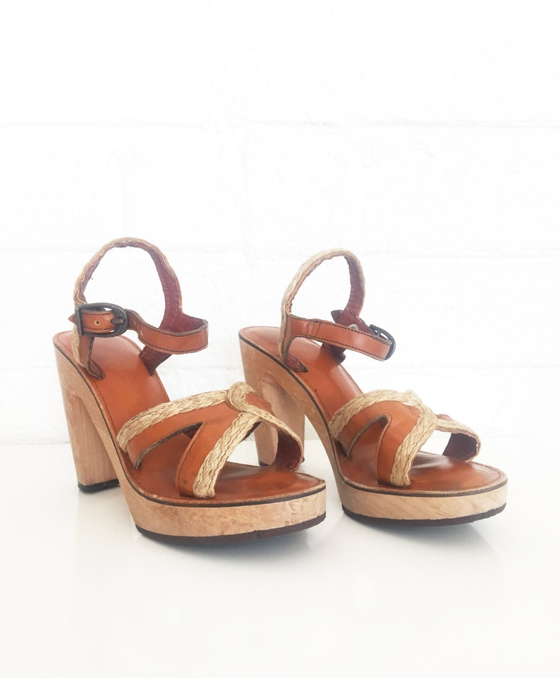 fa420f98cbb31 1970s Heels Leather Sandals Vintage Wood Platform Shoes Clogs Bare Traps  Size 6