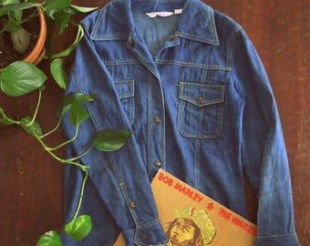 Vintage 70s denim shirt jacket / Unisex Boho Hippie denim jean shirt