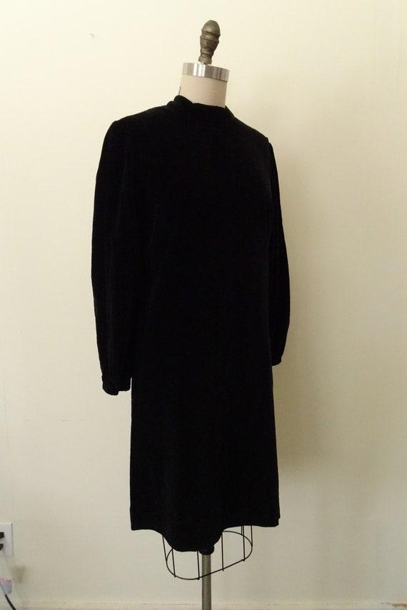 1960s velveteen mini dress - image 3