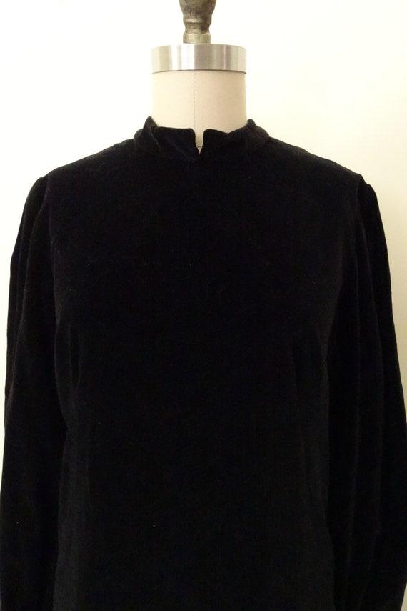 1960s velveteen mini dress - image 4