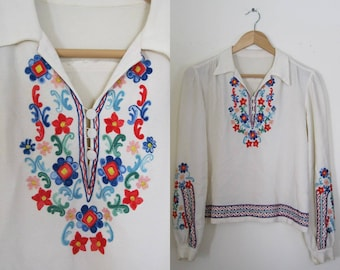 Vintage 60s embroidered blouse / Hippie Boho Folk bell sleeves embroidered blouse top