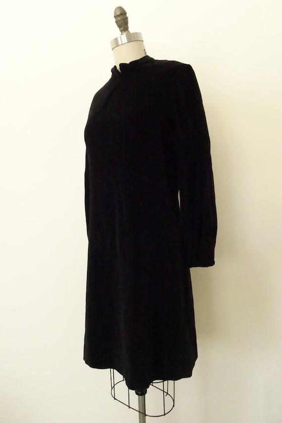 1960s velveteen mini dress - image 6