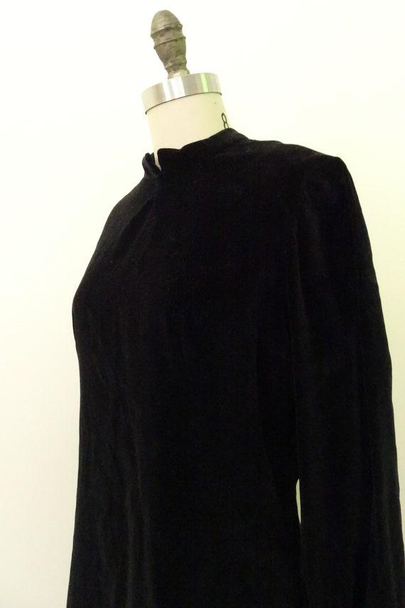 1960s velveteen mini dress - image 5