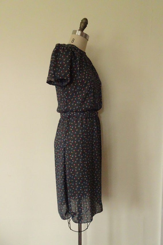 Gray Day tulip print semi sheer 1980s dress - image 5