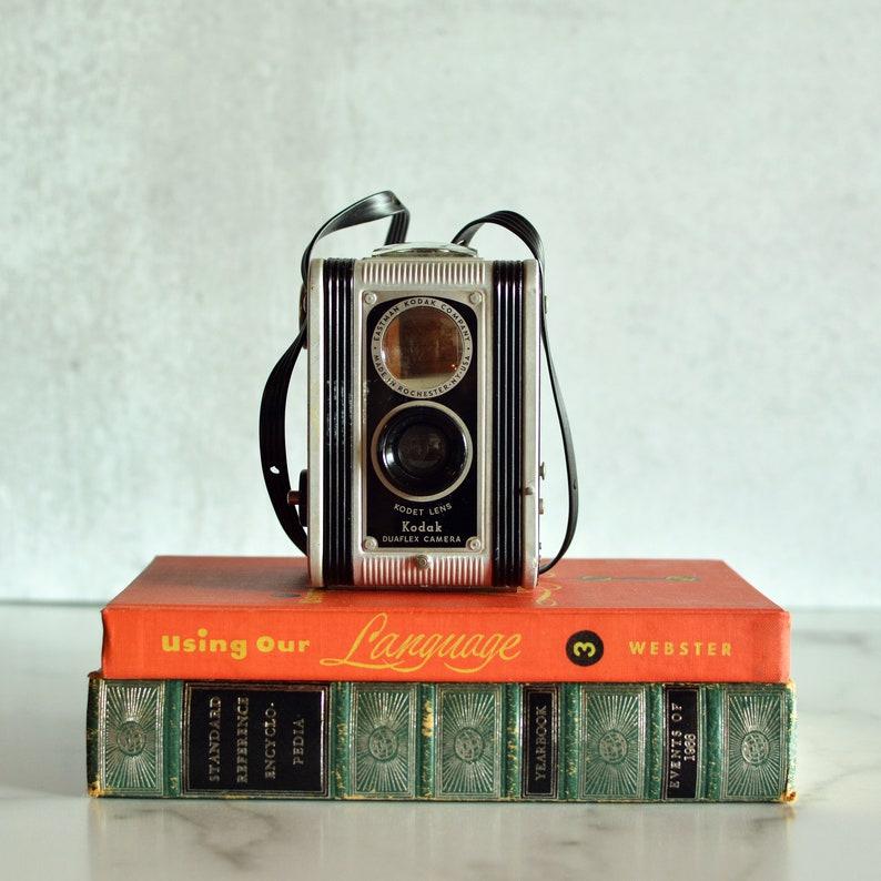 Kodak Duaflex Vintage Camera Antique Box Camera 620 Film Mid image 0