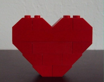 LEGO Heart Pin/Brooch (Red)