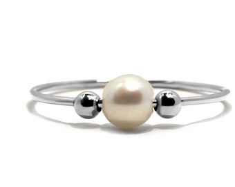 Pearl anxiety ring in white gold white gold filled beads, pearl meditation ring, dainty fidget ring, anti stress pearl ring with gold #AR701