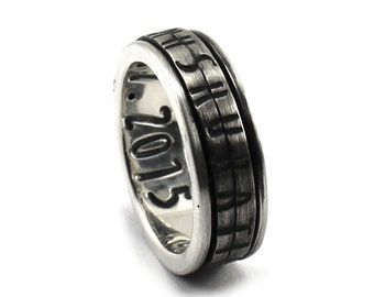 CRYPT CODE Spinner ring 7 mm; 2 flat spinners with personalized text, turn the spinners to read the text, secret message ring. #JC105