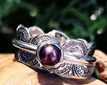 Set of 3 stackings rings, purple pearl ring, one rings 2 mm round and 2 with laces texture, READY TO GO