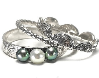 SET OF 3 laced stackings rings, one with 3 pearls, lace ring, stackable ring, stacking rings silver, peacock ring, pearl ring set. #BE148