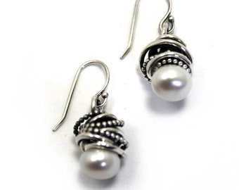 Small Swirl earrings with mobile white freshwater pearls, sterling silver, pearl earrings, bridesmaids gift, gift, white pearl. #BO231