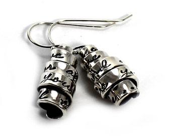 Twisted text earrings, personalized earrings, gift for her, gift for mom, personalized gift, kids names earring, family earrings. #BO227